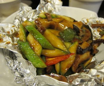 Stir fried melon with mushroom in oyster sauce