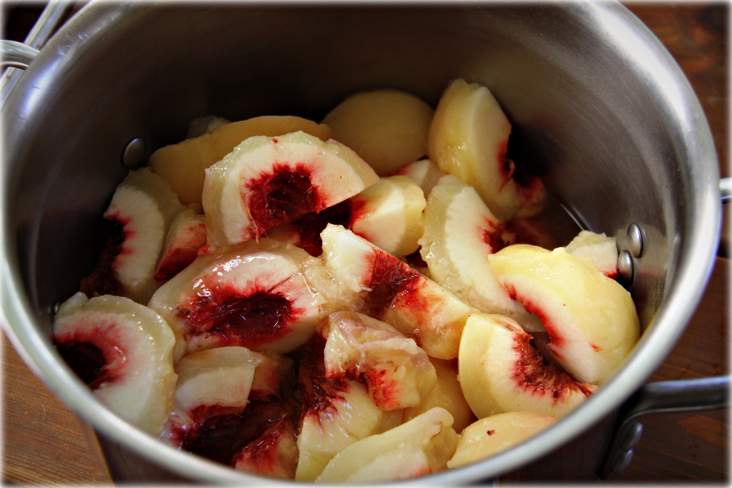 quartered peaches