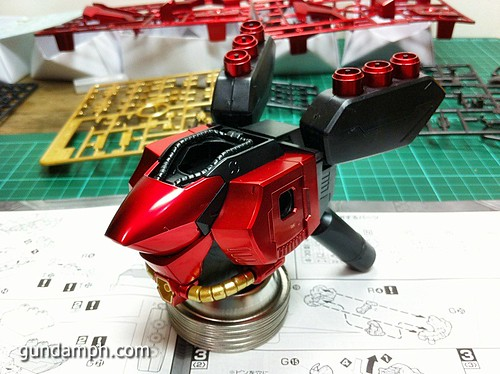 MG Sazabi Metallic Coating (Titanium-Like Finish) (24)