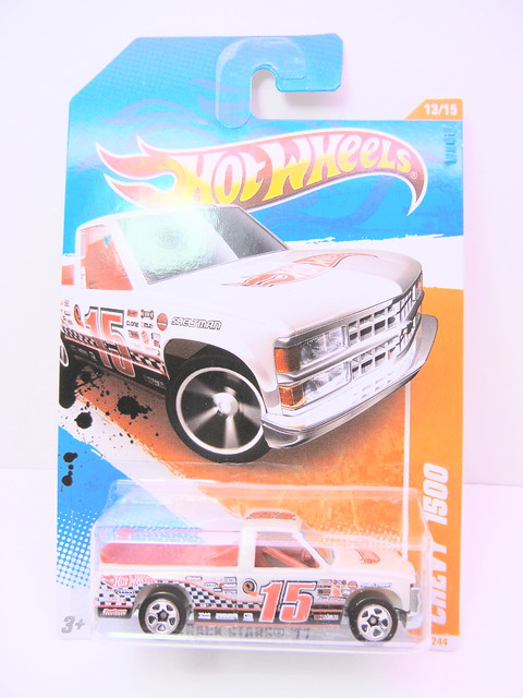hot wheels chevy 1500 (1)
