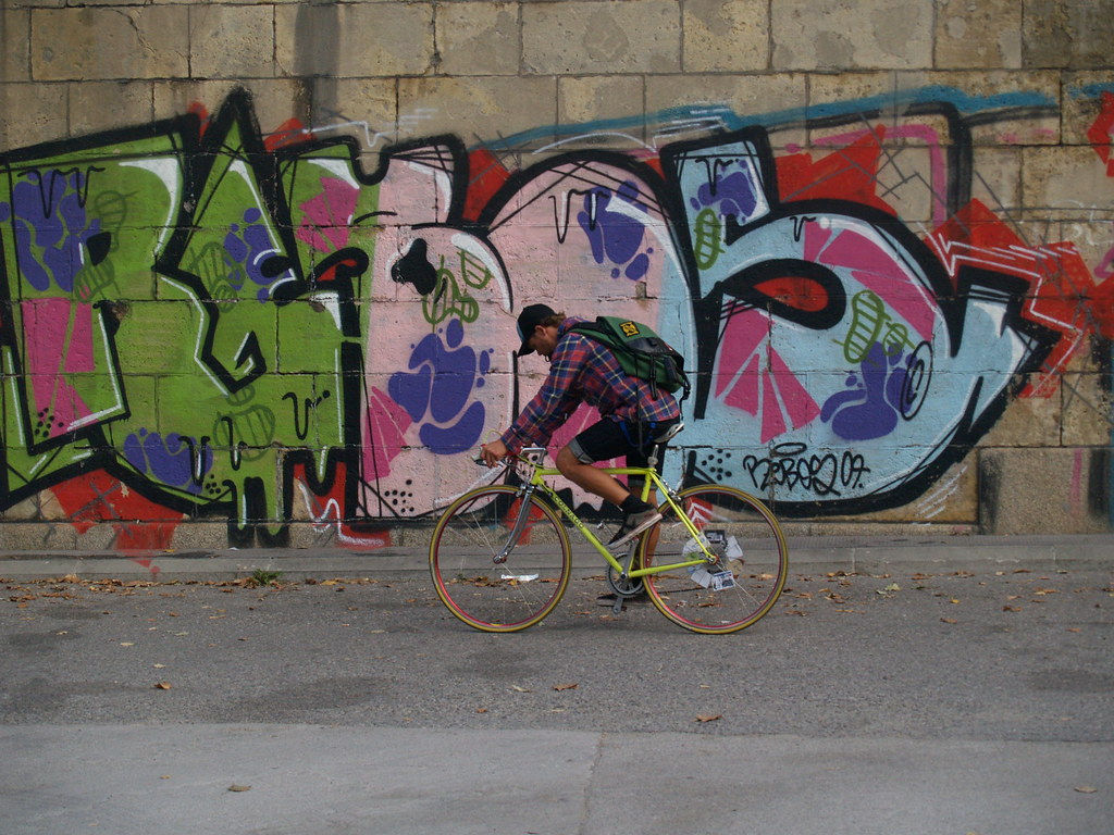 grafitti cycling