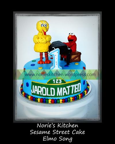 Norie's Kitchen - Sesame Street Cake - Elmo Song by Norie's Kitchen