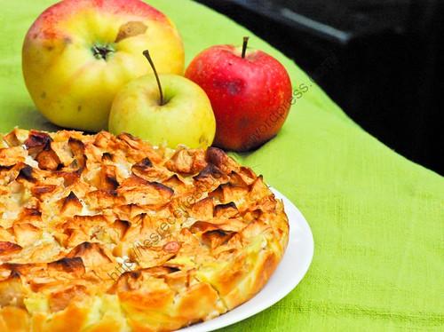 Flognarde ou flan aux pommes / Flognarde or Apple Custard Pie