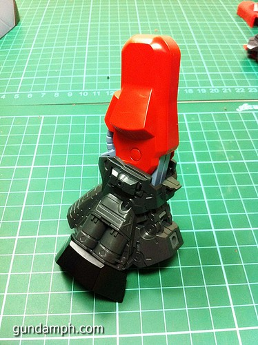 MG Rick Dias Quattro Custom RED Review OOB Build (35)