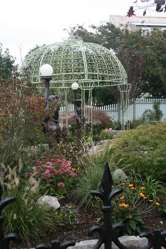 Gazebo and garden of 'The Empress' home