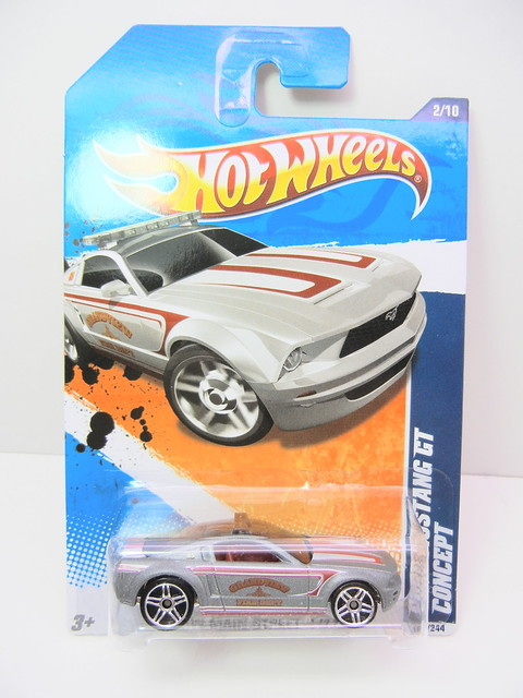 hot wheels ford mustang gt concept silver (1)