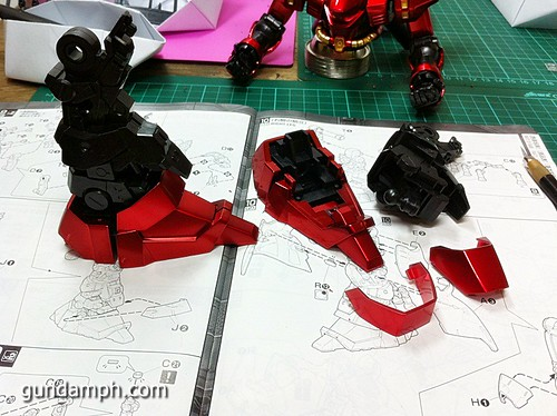 MG Sazabi Metallic Coating (Titanium-Like Finish) (37)