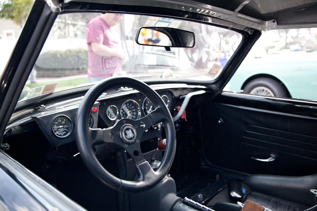 triumph_cockpit