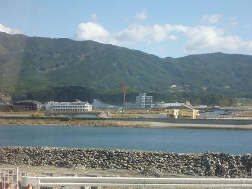 陸前高田市竹駒町でボランティア(レーベン隊) Volunteer at Rikuzentakata, Iwate pref. Deeply Affected Area by the Tsunami of Japan Earthquake