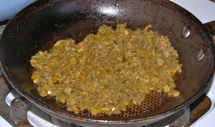 Frying the nopalitos