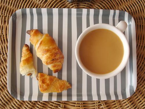 Croissants et cafe!