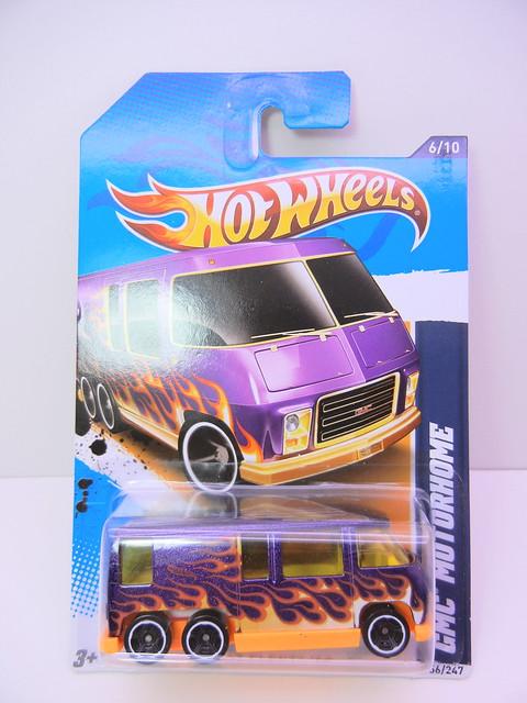 hot wheels 2012 gmc motorhome (1)