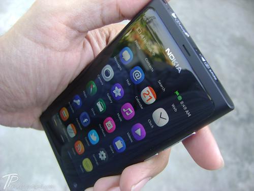 Nokia N9 - Design, Display and Case