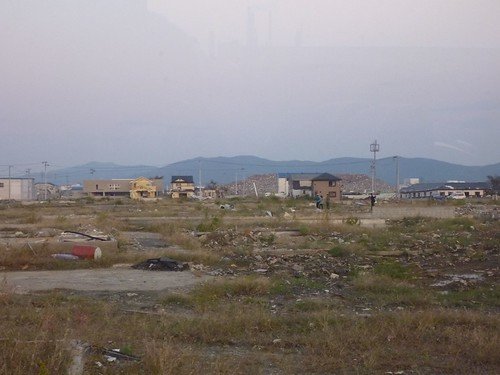 石巻, 牡鹿半島小渕浜でボランティア Japan Earthquake Recovery Volunteer at Oshika Peninsula, Miyagi pref. Deeply Affected Area by the Tsunami