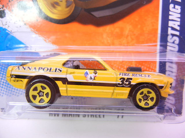 hot wheels '70 ford mustang mach 1 (2)