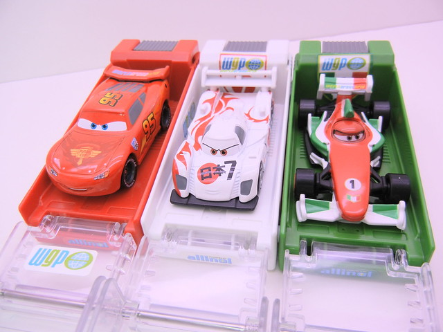 disney cars 2 tomica launcher group (1)