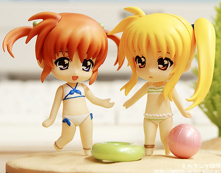 Nendoroid Petit Nanoha and Fate in Swimsuit