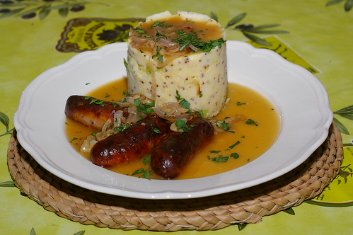 Sausages with mustard mash and cabbage by La belle dame sans souci