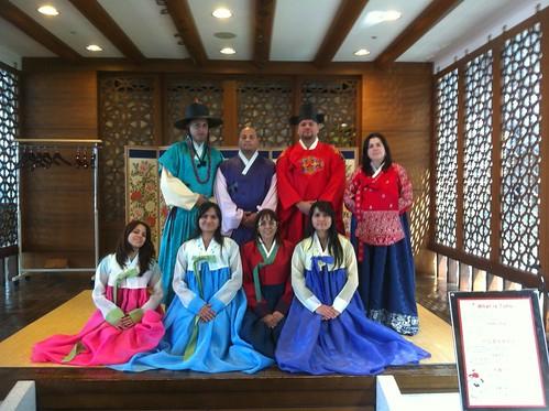 Vestimenta Típica Koreana / Typical Korean Dress