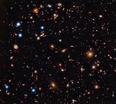 NASA's Chandra Finds Massive Black Holes Commo...
