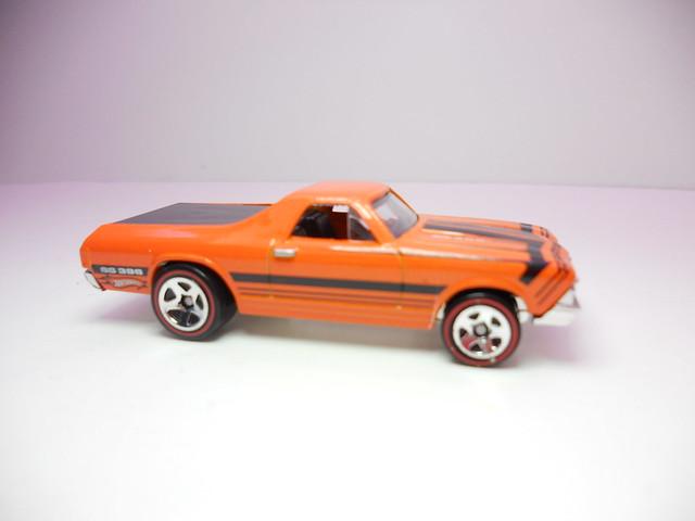 hot wheels '68 el camino orange (2)