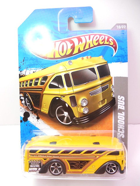 hot wheels surfin' school bus yellow (1)
