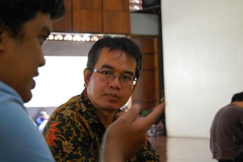 "Author of ""Negara Paripurna"""