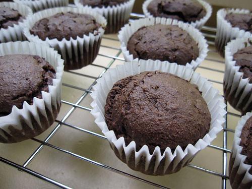 Chocolate Avocado Muffins (2/2)