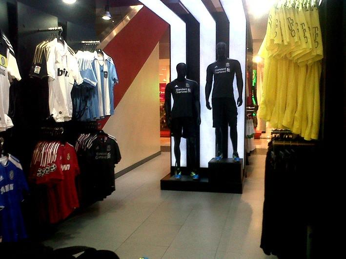 Corner Adidas en Liverpool