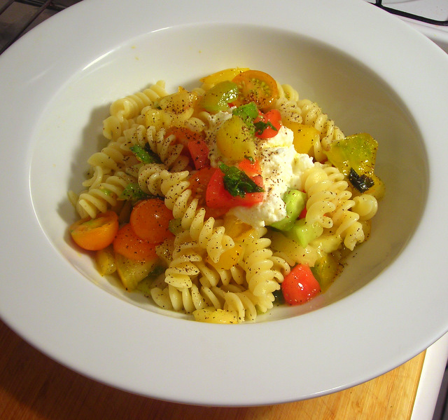 Fusilli with cow's milk ricotta cheese and uncooked heirloom tomato sauce