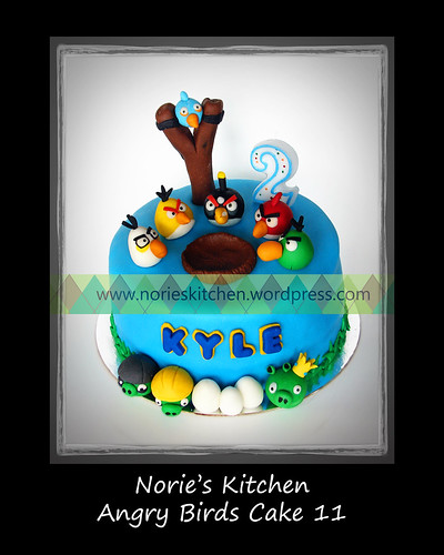 Norie's Kitchen - Angry Birds Cake 11 by Norie's Kitchen