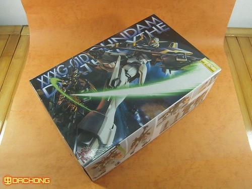 Dragon Momoko Brand Gundams from Taiwan (1)