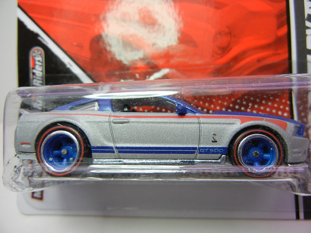 hot wheels garage '10 ford shelby gt500 silver blue (2)