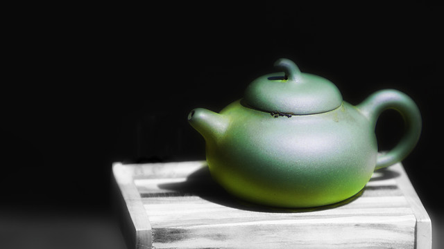 Green Tea Pot by Scott Loftesness