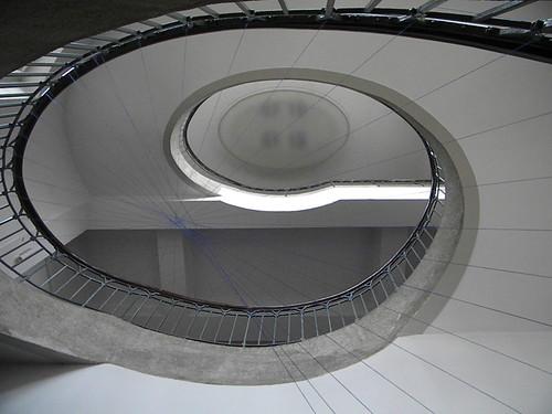 As escadarias principais do prédio original