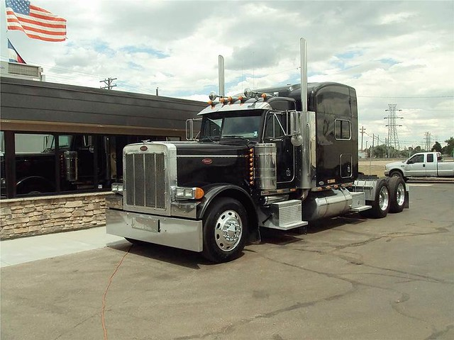 2003 PETERBILT 379EXHD - 550HP CUMMINS