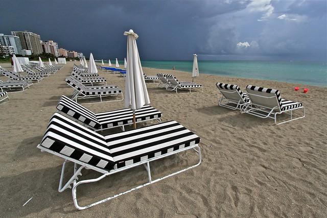 Chaises de plage, Miami, États-Unis