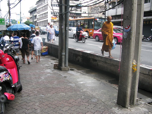 monk & the electronics market