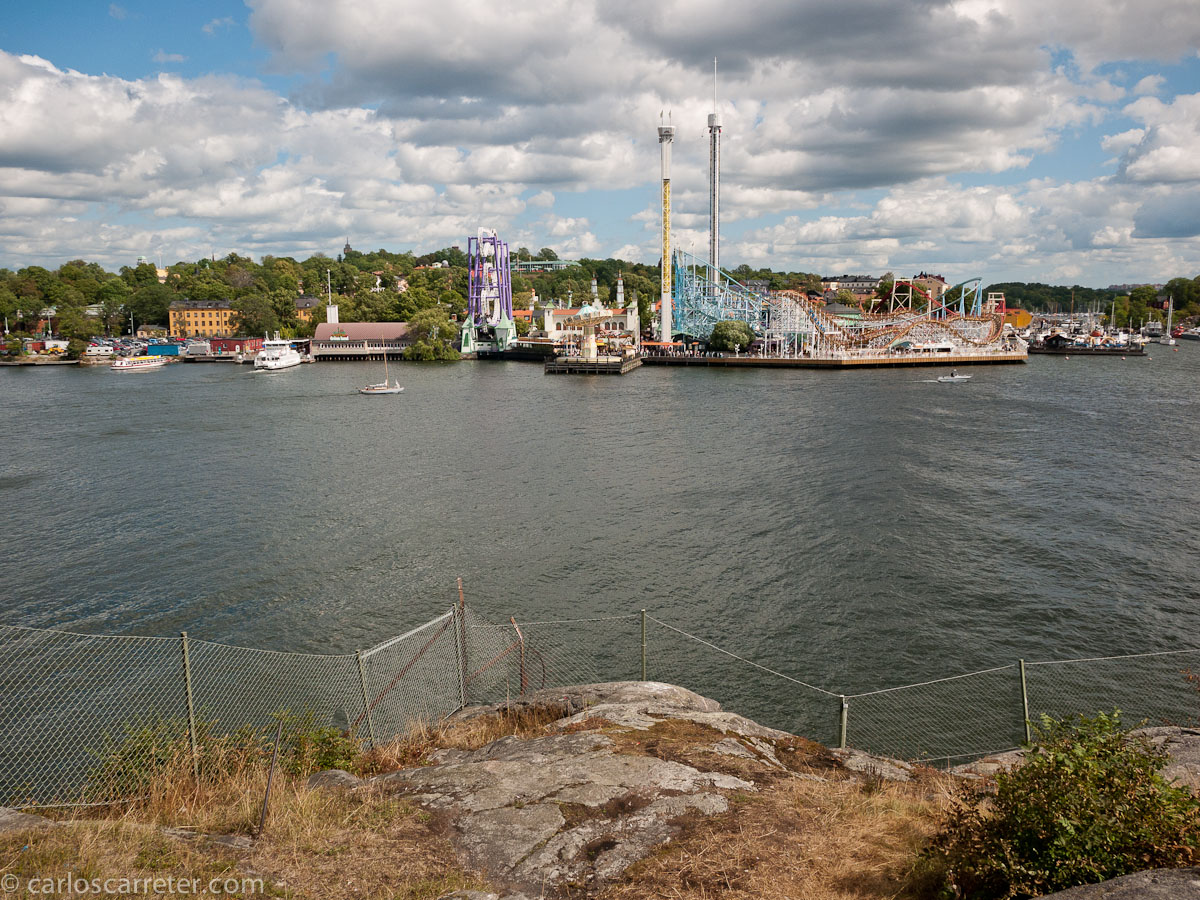 Tivoli, parque de atracciones, visto desde Kastellholmen