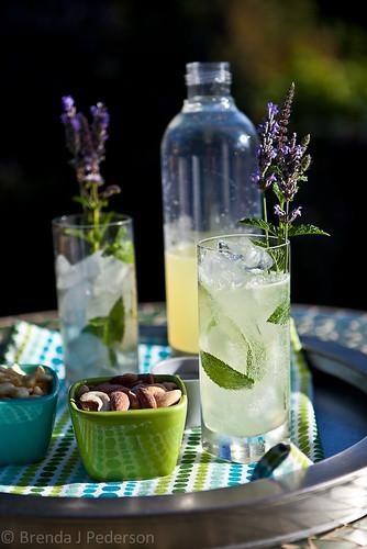Homemade Sparkling Lemonade