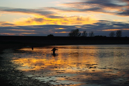 20110819-20_Sunset reflections + Angler_Rainbow Corner_Draycote Water by gary.hadden