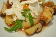 Detail: Slow poached hen egg, cèpes, apricot chutney