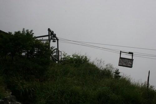 Ropeway for transporting black eggs, kuro-tamago (黒玉子))