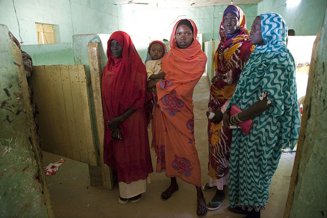 Women vote in South Sudan's referendum on independence. 09/01/2011. UN Photo by Albert Gonzalez Farran.