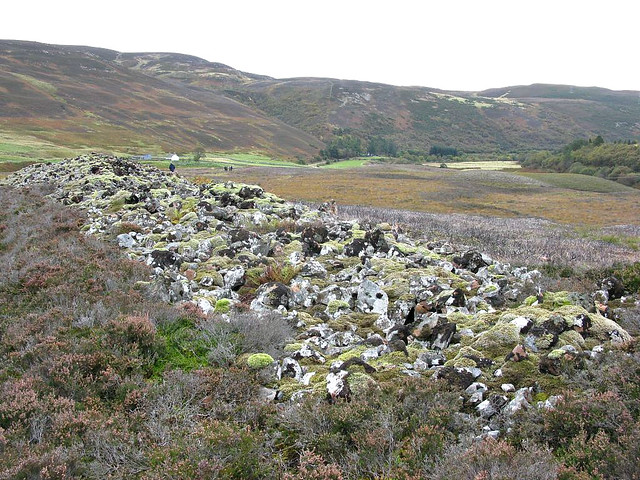 Chambered cairn in a pre-clearance crofting township