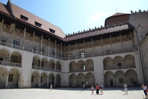 Patio del Castillo Real