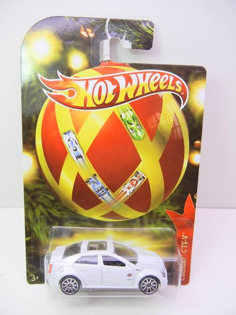 2011 hot wheels holiday hot rods cadillac cts-v (1)