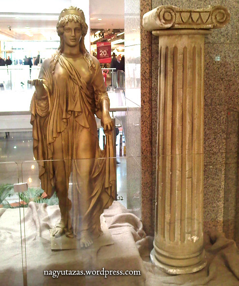 Ősi görög viseletek törökországi kiállítása