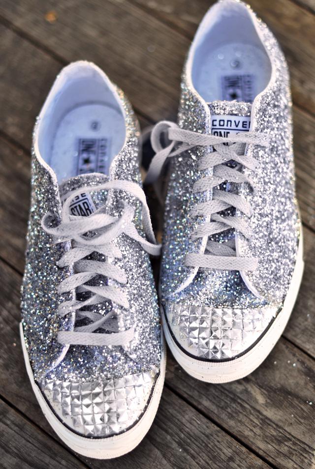Glitter Sneaker DIY com biqueira studded