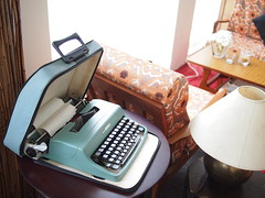 Old typewriter, L'etoile Cafe, Owen Road, Little India
